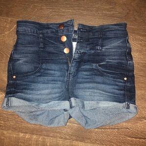 Pants - Refuge shorts